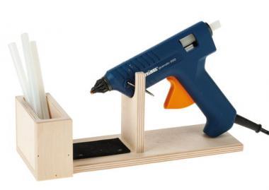 Soporte de madera para pistolas de cola caliente